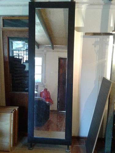 espejo con marco metalico
