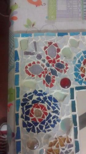 espejo cuadrado decorado con venecitas