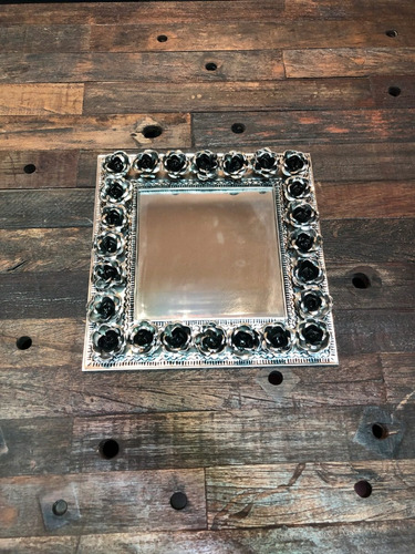 espejo de latón con marco rosas mediano