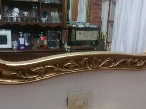 espejo de madera dorado