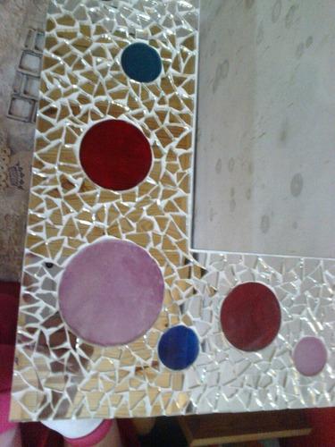 espejo decorativo con espejitos y circulos de vidrio living