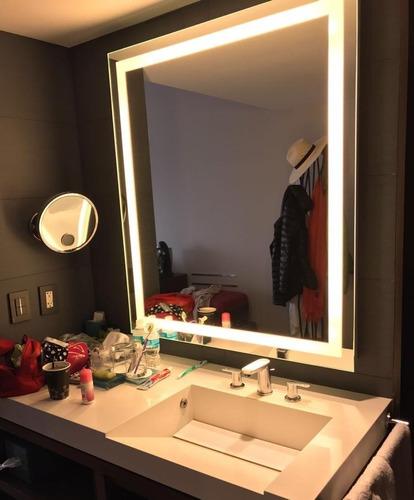 espejo electrónico con luz led integrada de 90x127cm