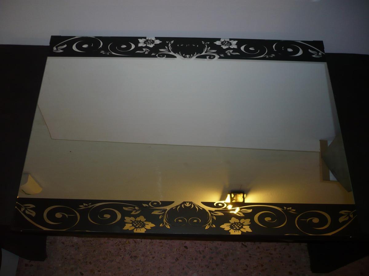 espejo para bao sin marco con detalle vinilo decorativo