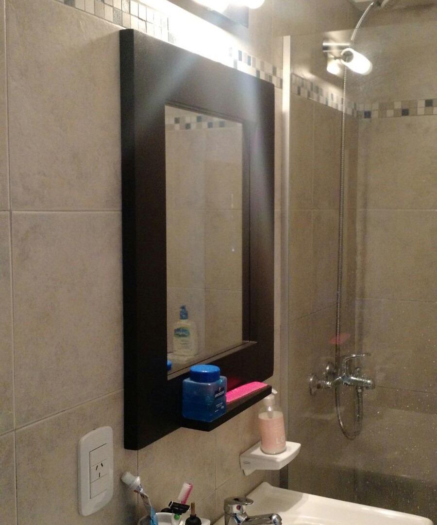 Genial marcos para espejos de ba o im genes espejo con for Como decorar un espejo rectangular sin marco