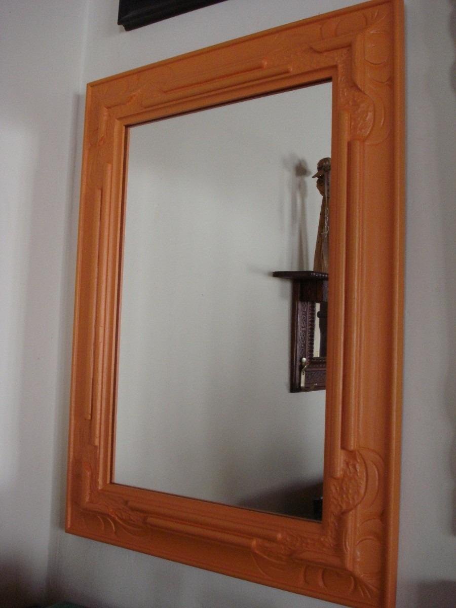 Espejo patinado en naranja marco de madera tallada 1 for Espejo pared madera