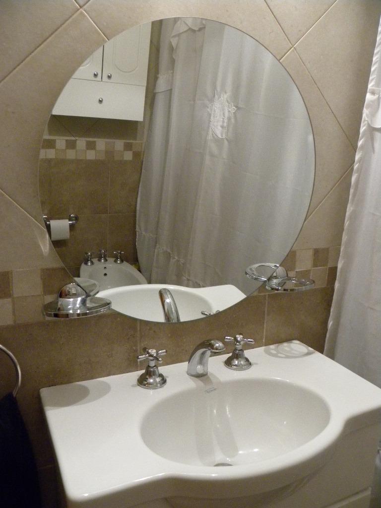 25 bonito espejo redondo ba o im genes espejo circular - Decorar espejo bano ...