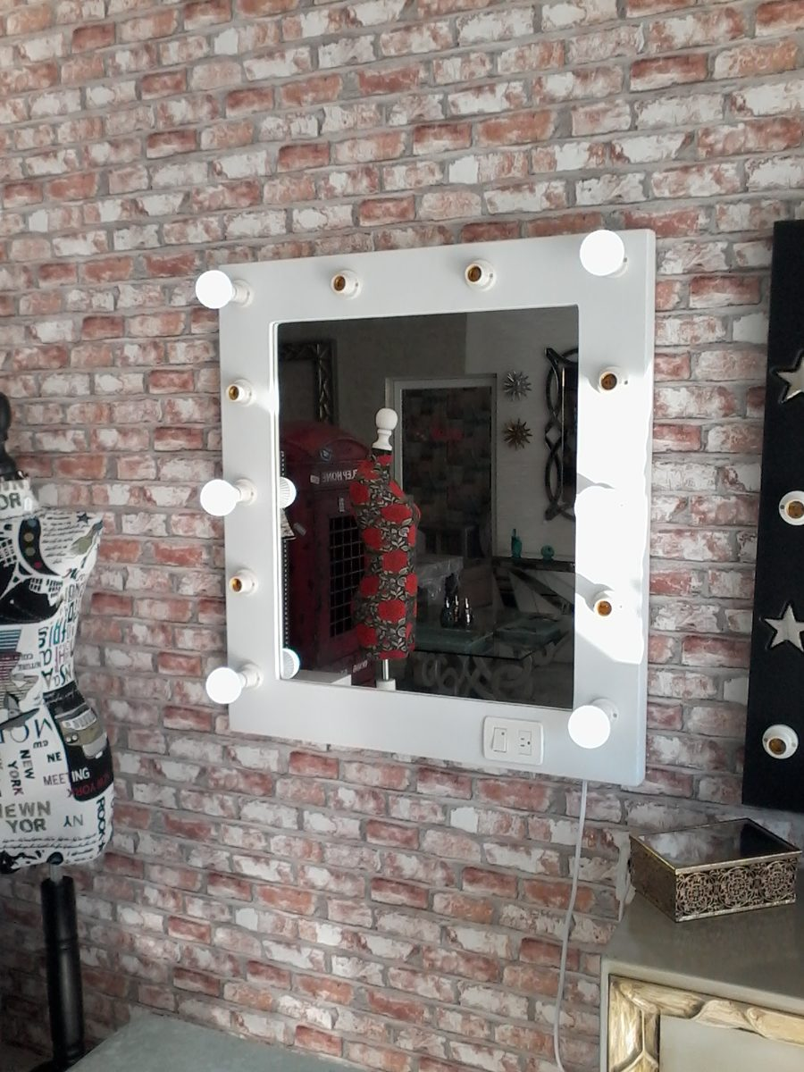 Espejos con focos para maquillaje con luz led tipo hollywood 2 en mercado libre - Focos para espejos de bano ...
