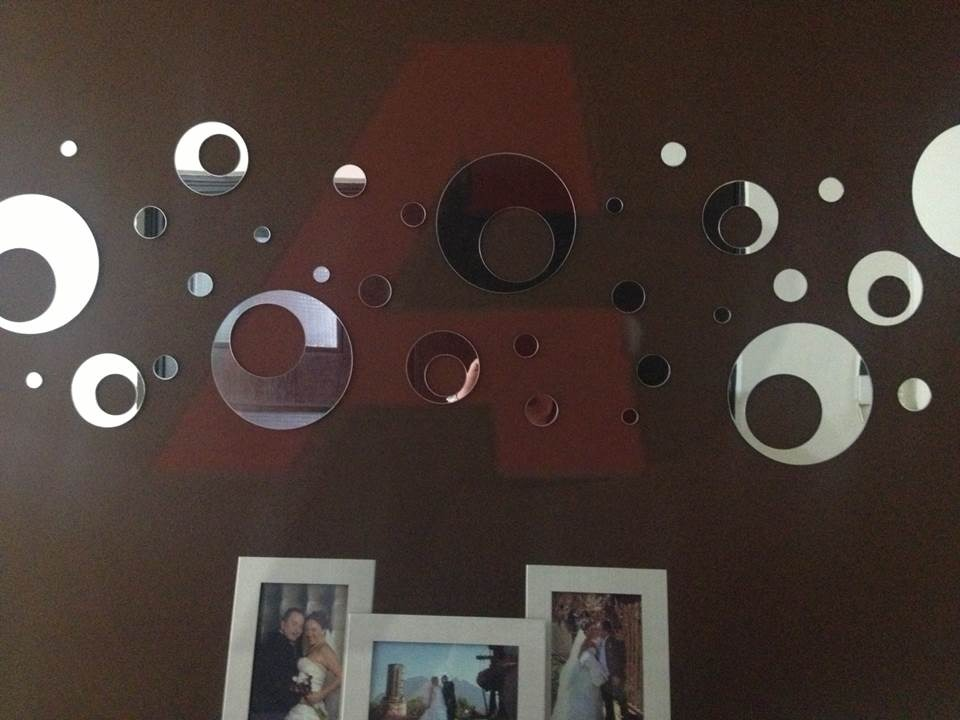 Espejos decorativos contempor neos modernos en acrilico for Espejos con mesas decorativos