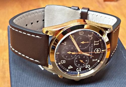 espetacular relógio victorinox swiss army 241647 gold top