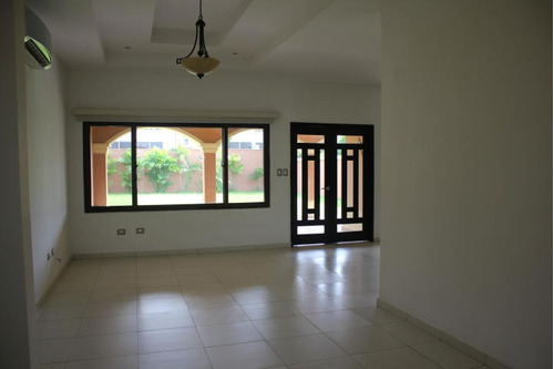esplendida casa en venta en costa sur, panamá cv