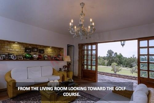 espléndida casa ubicada en el exclusivo club de golf malanquín, un fraccionamiento con caseta de vigilancia 24 horas, en san miguel de allende.