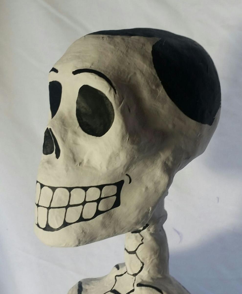 Esqueleto De Artesanal Cartoneria 130 Cm Calaveras Catrinas