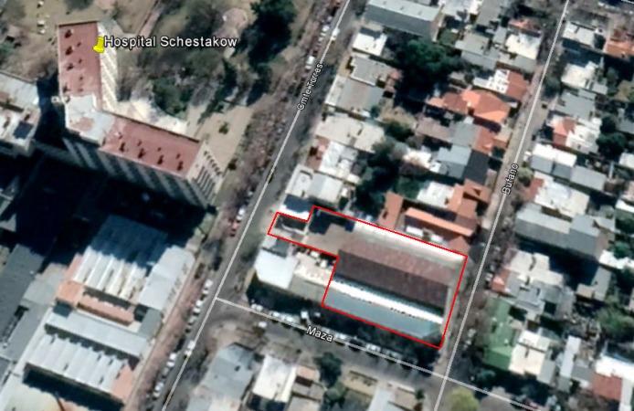 esquina centrica con cocheras - 1364 m2