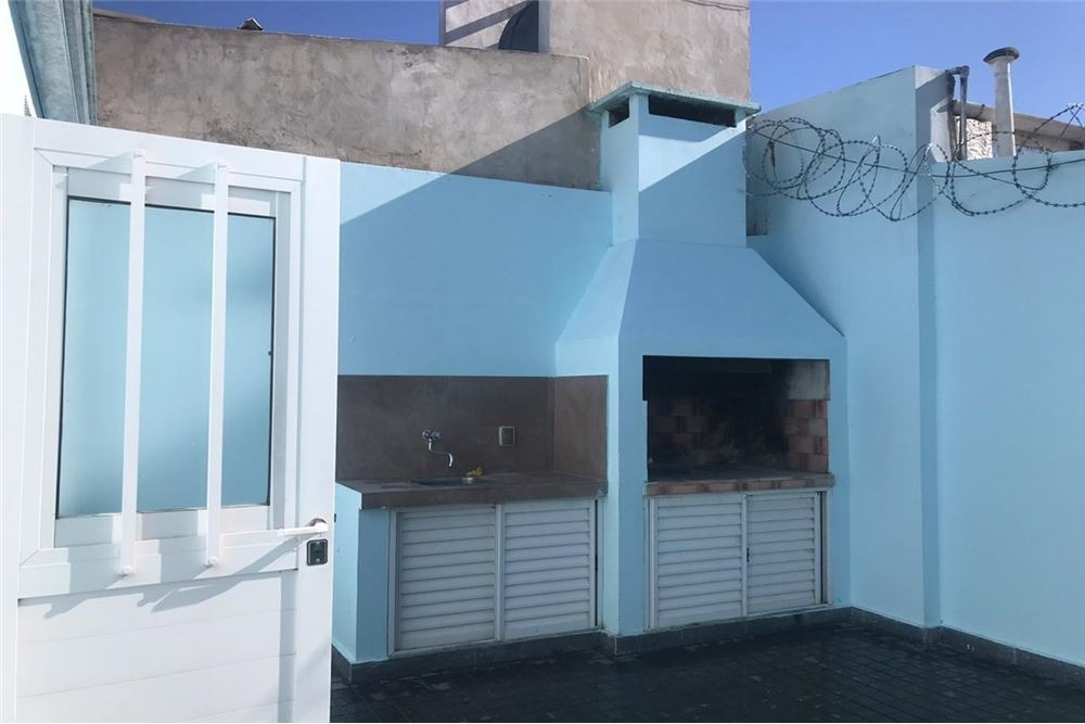 esquina comercial y casa de dos dorm b*candioti