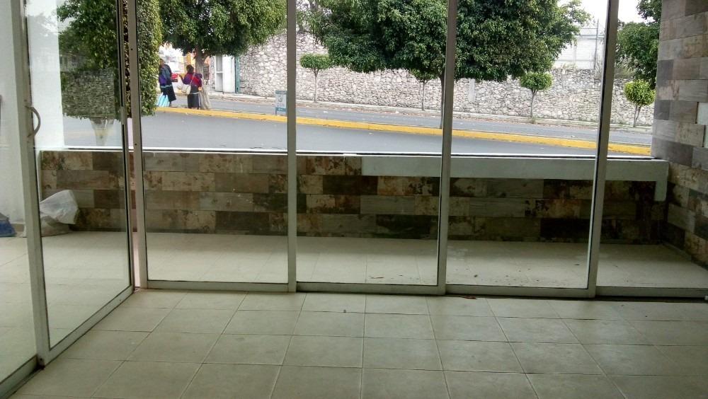 esquina rento local 90 m p.b.est.al fte. col. la paz