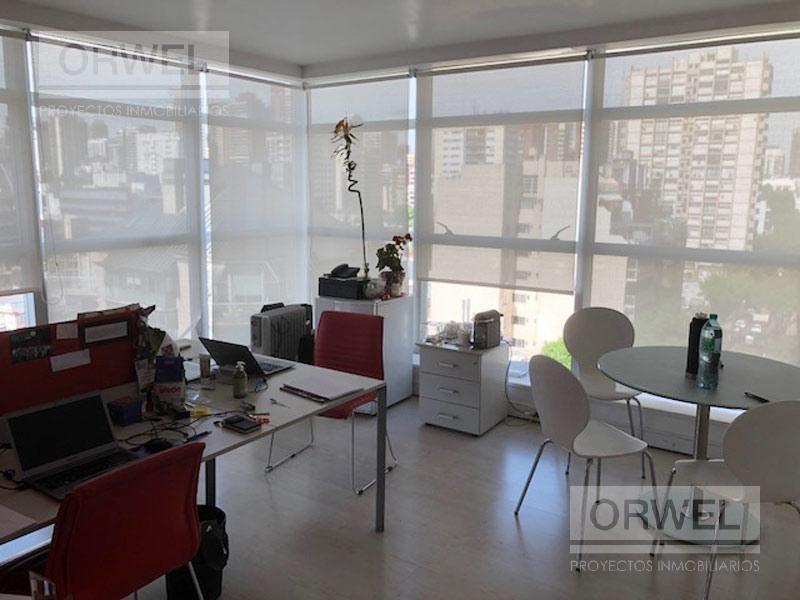 esquinero 180 m2 c/ 2 coch. excelente oficina. premium!