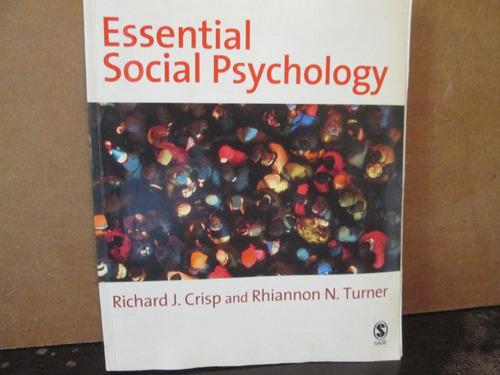 essential social psychology .