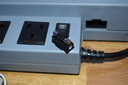 estabilizador de tension atomlux r500 pc tv computadora gtia