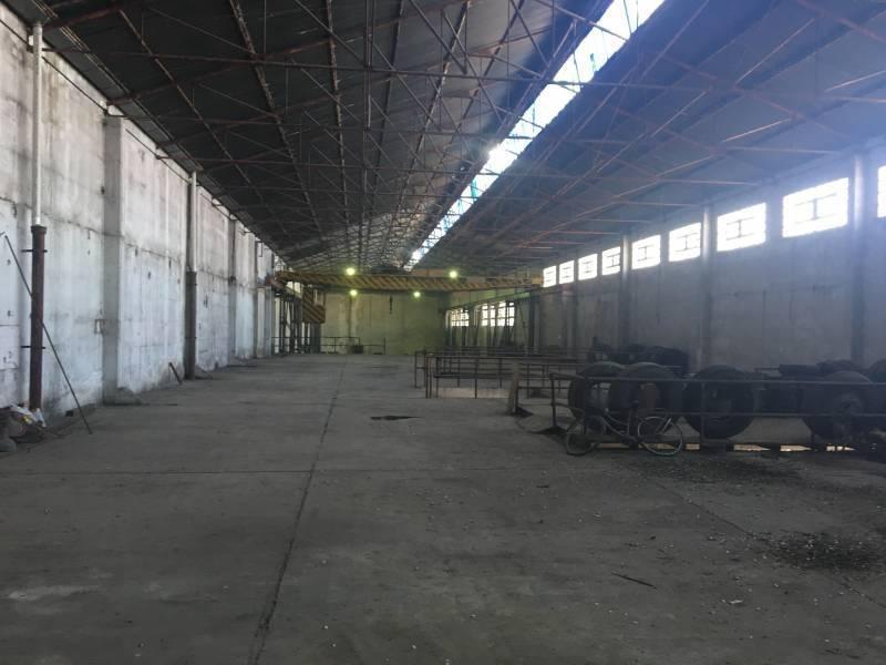 establecimiento industrial de 2400 m2