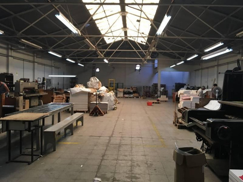 establecimiento industrial de 834 m2 cubiertos