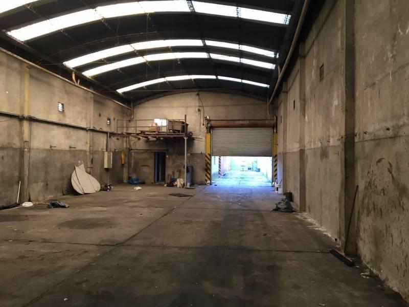 establecimiento industrial en valentin alsina, sobre lote 870,35