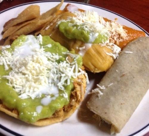 estación de comida mexicana.