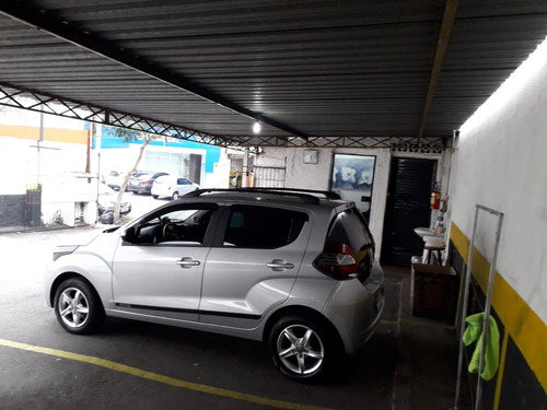 estacionamento e lava jato