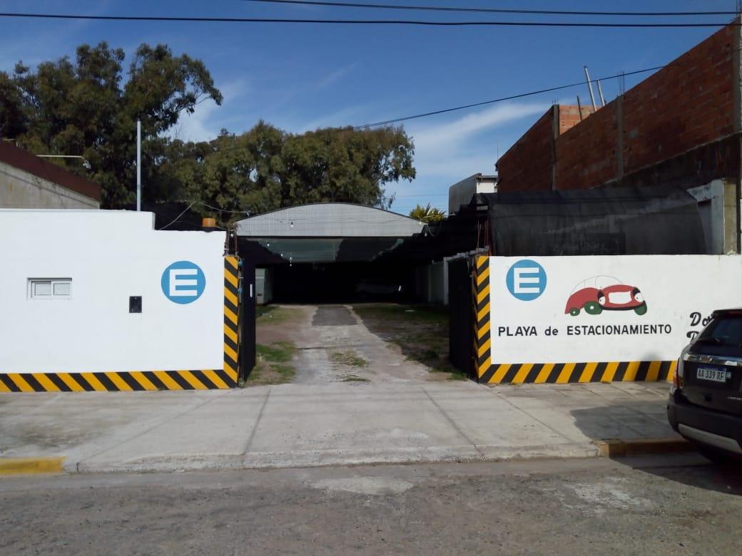 estacionamiento cochera en lote con tinglado centro