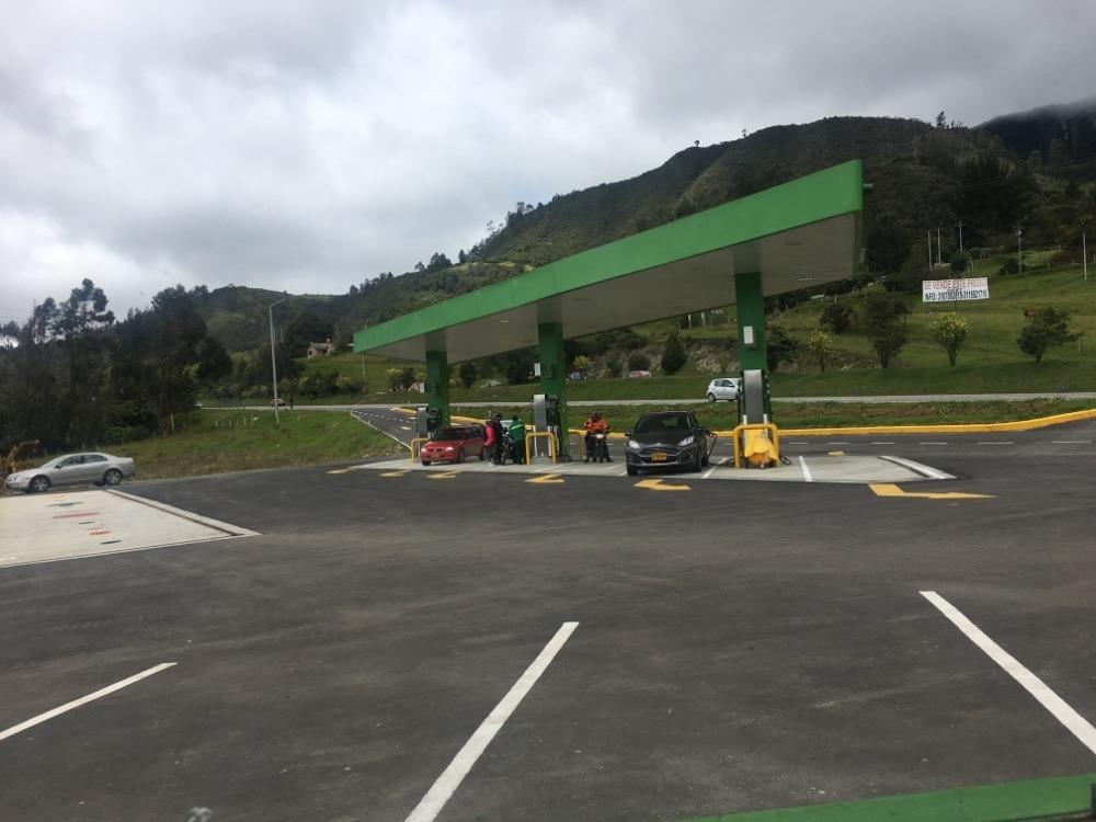 estaciones de servicio y venta de combustible, gasolina