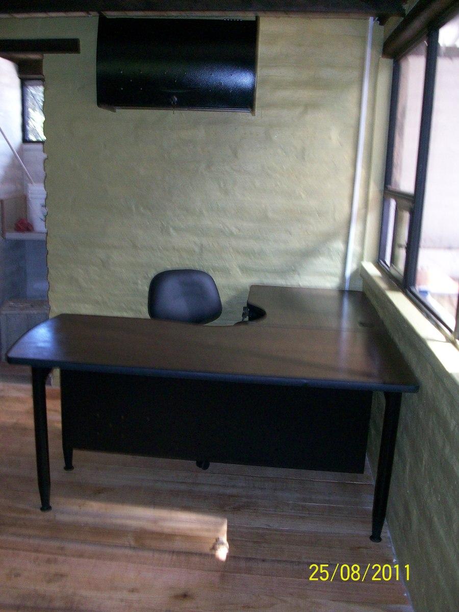 Estaciones de trabajo en l escritorios muebles de oficina for Muebles de oficina quito