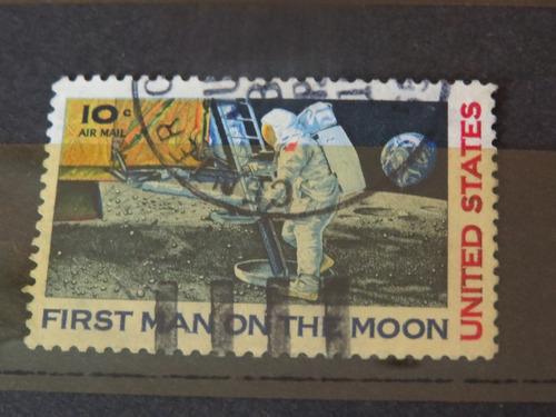 estampilla de hombre llegando a la luna 1970