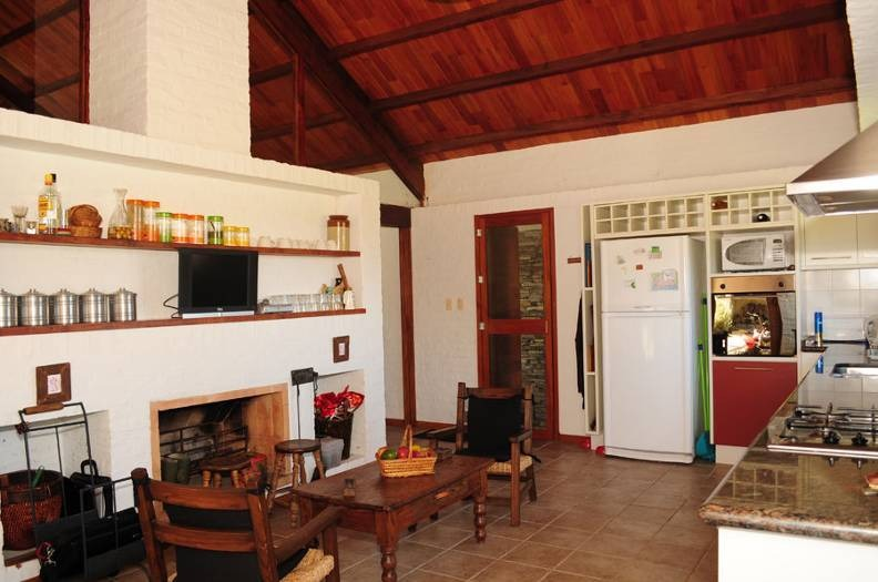 estancia laszlo 107 has con moderna casa de 6 dormitorios