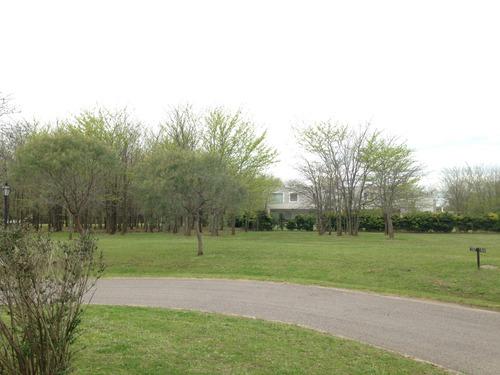 estancias del pilar golf - terreno 2.204 m2 en venta