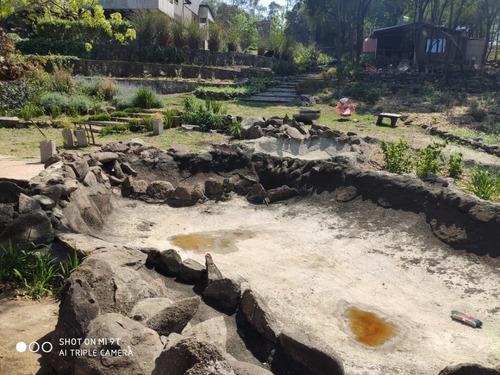 estanques, fuente, cascada,  simulación piedra etc.