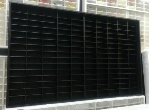 estante hotwhells 150 nichos linha black!