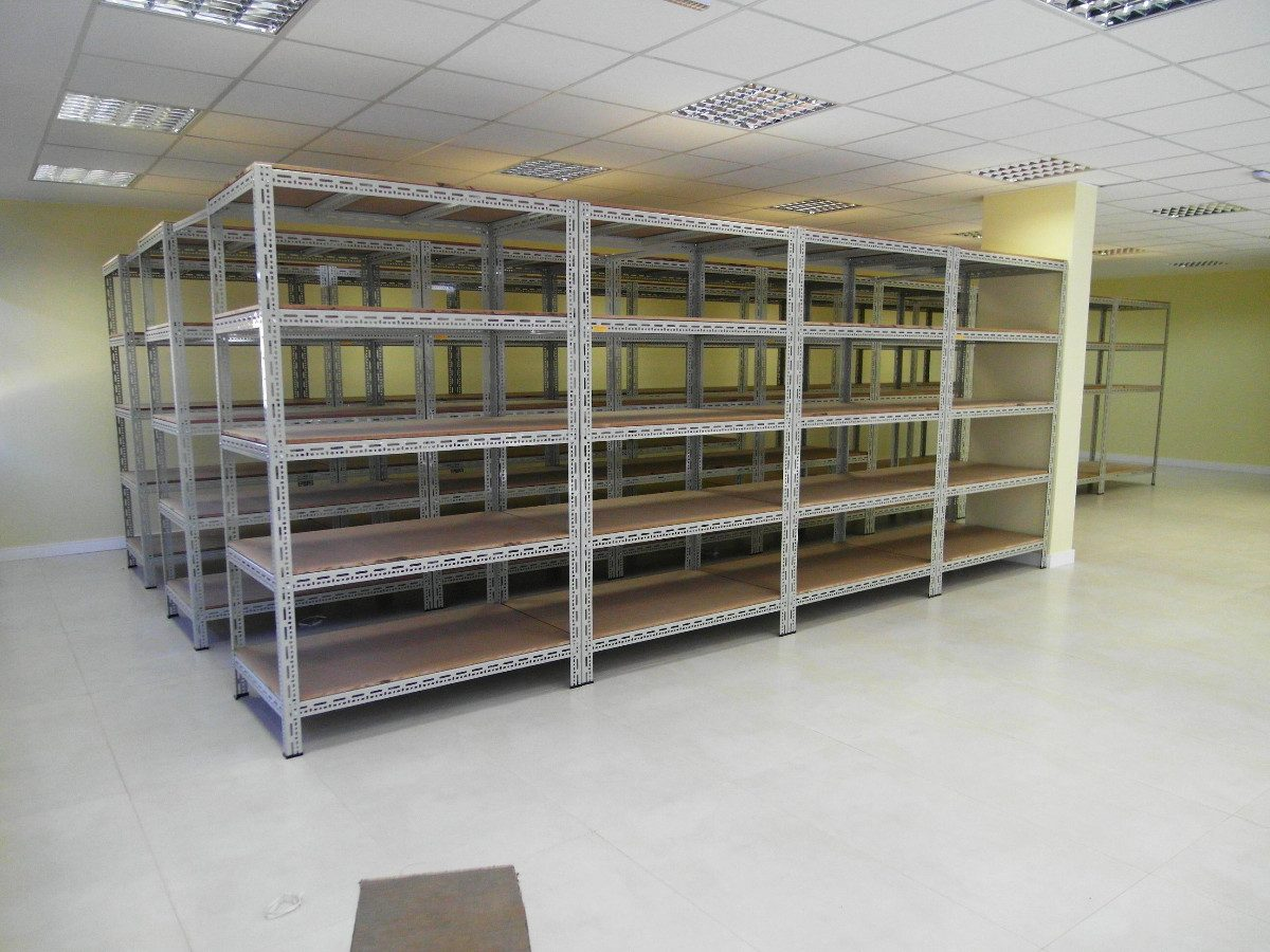 Estante Industrial De A O Com Madeira Sob Medida R 10 00 Em
