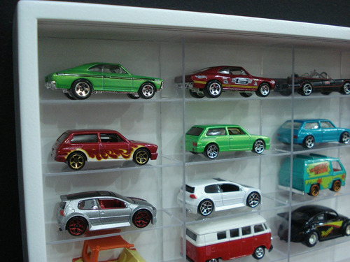 estante miniaturas hot wheels 100 nicho cristalwhite+ brinde