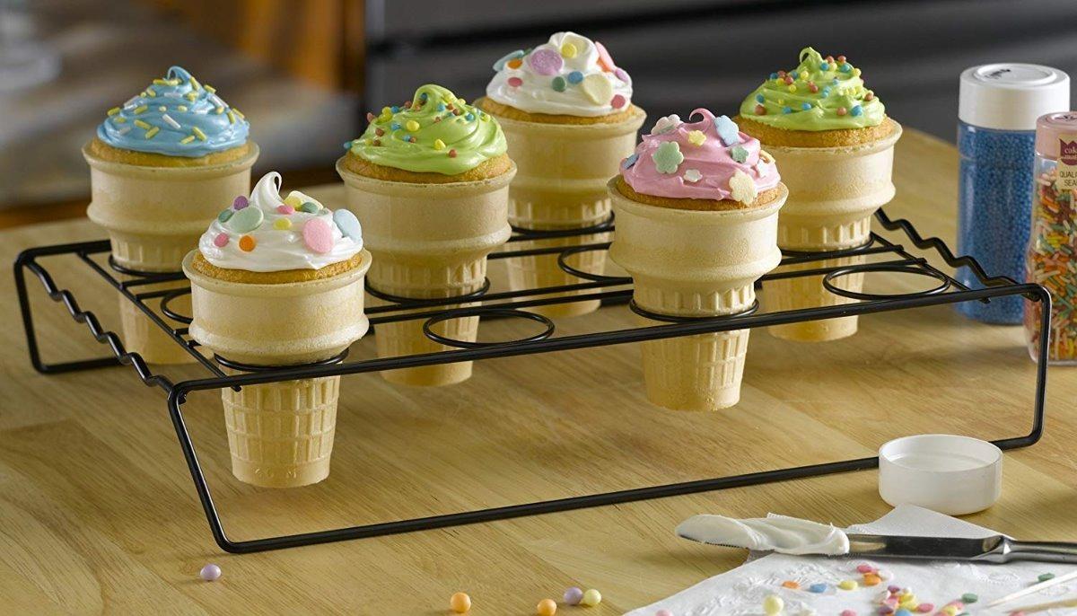 Resultado de imagen para pastelitos en cono de helado