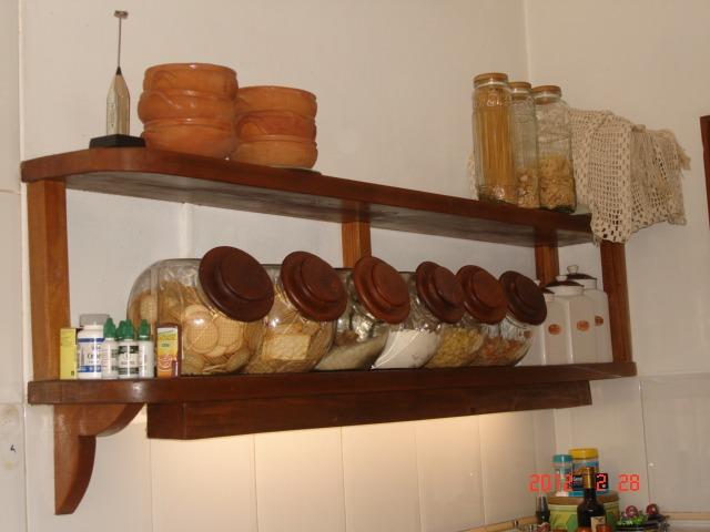 Estanteria de cedro para cocina con tubo luz u s 200 00 for Estanterias pared cocina