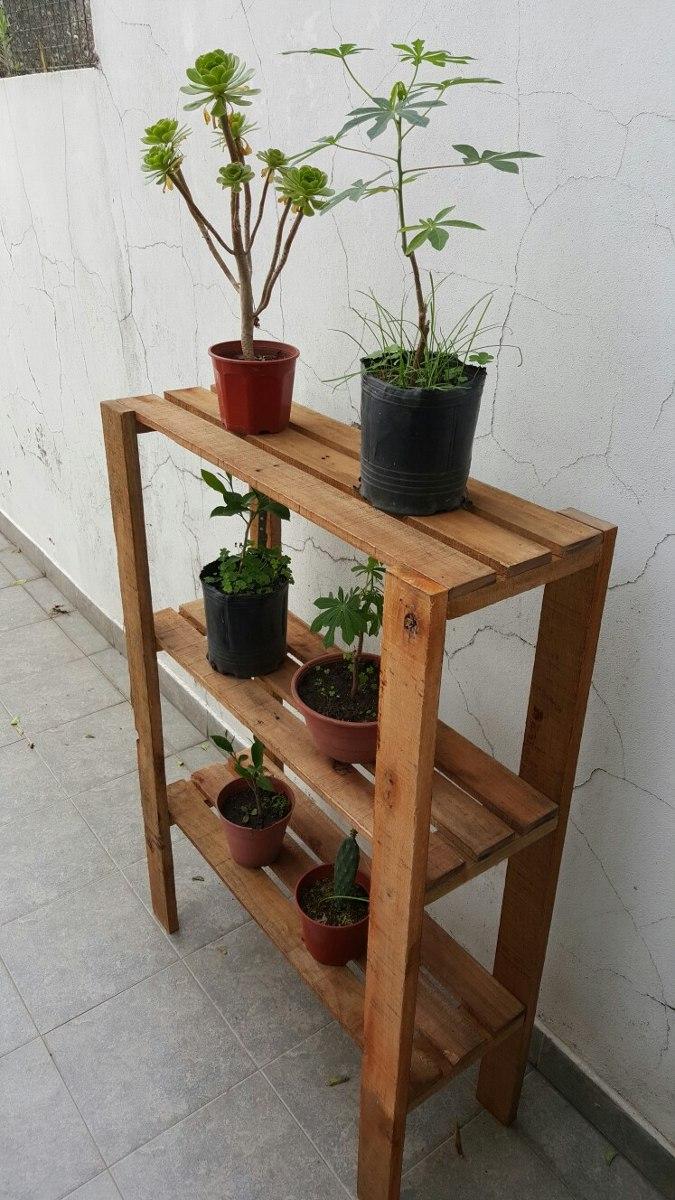 Como decorar una estanteria de madera cmo decorar una - Estanterias en madera ...
