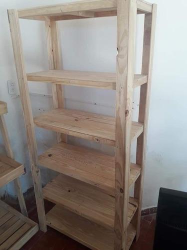estantería de pino