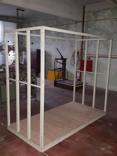 estanteria jaula con ruedas