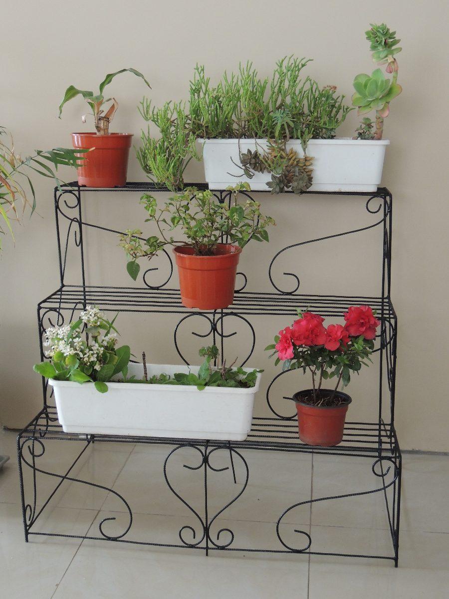 Estanteria para plantas de interior stunning repisas para for Estanteria jardin plantas