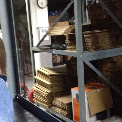 estantes de hierro con 3 entrepaños 1,20cm x 1,60cm x 100 cm
