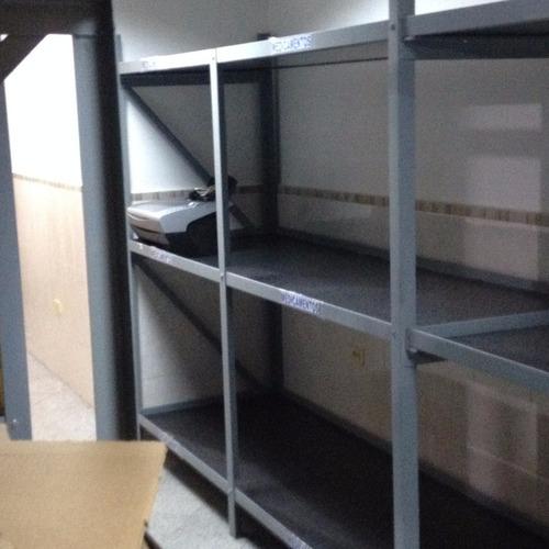 estantes de hierro con 3 entrepaños 2,40cm x 1,60cm x 76 cm