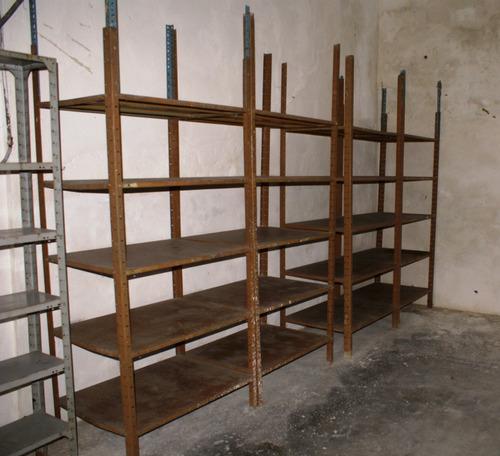 estantes de hierro desarmable