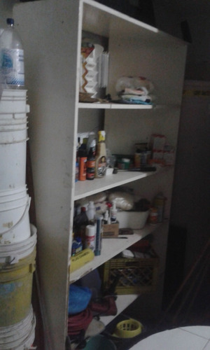 estantes exhibidores