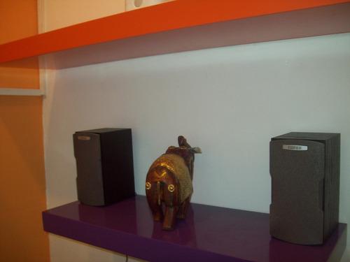 estantes flotantes laqueados en colores 60 cm