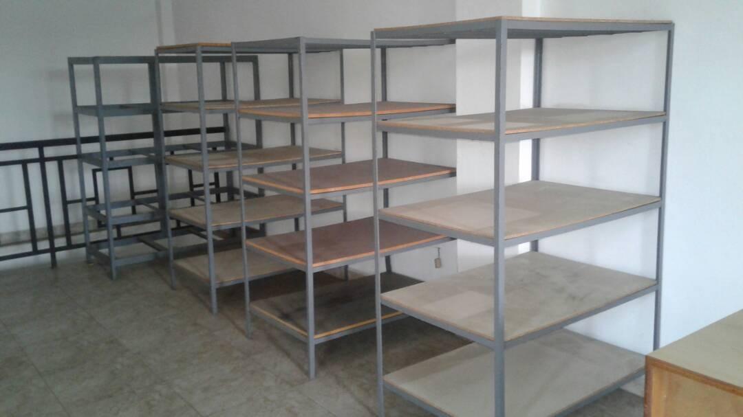 Estantes Metal Y Madera Bs 380000 en Mercado Libre