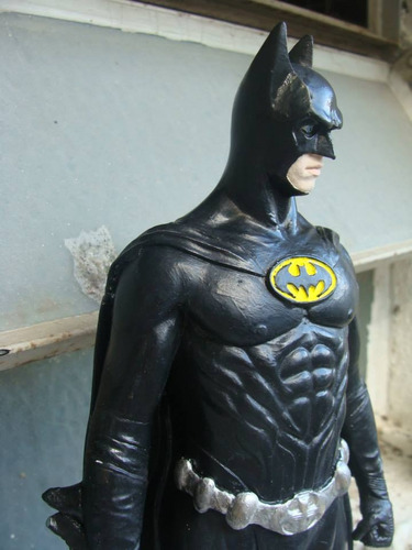 estatua de batman 1995 de 30cm de alto lov14
